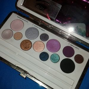 Clinique all about shadow eye palette